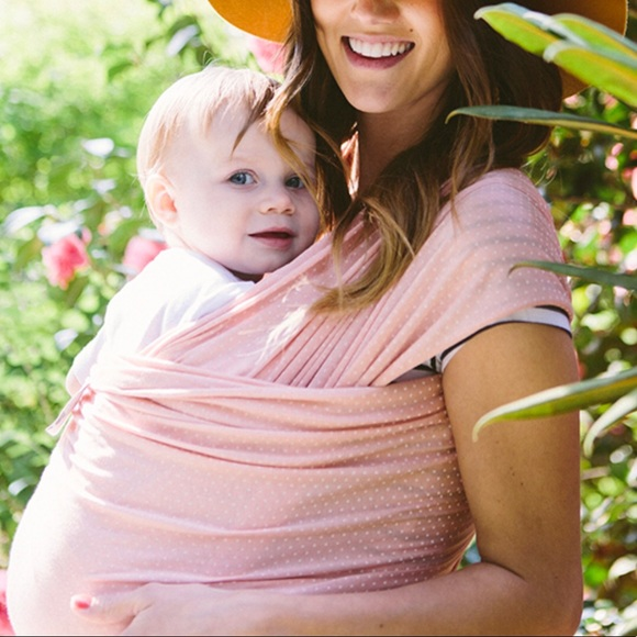 7cc1a0bceb5 Solly Baby Wrap- blush Swiss dot. M 5b83f7809e6b5b485cb12e11